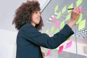 Empresária sendo produtiva